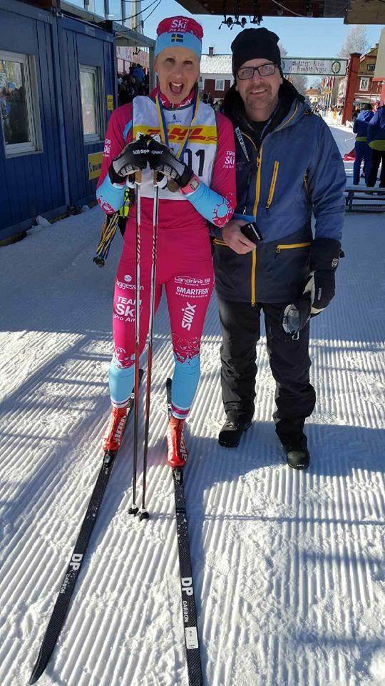 Madelen testar skidor från Elpex_Madelen och Johan_foto-Elpex